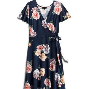 Nwot 3x Fortune + Ivy high low dress